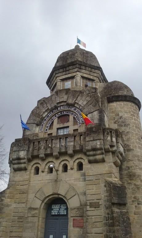 Mausoleul Eroilor Targu Ocna (2)