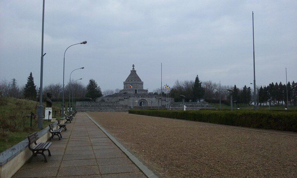 Mausoleul de la Marasesti (1)