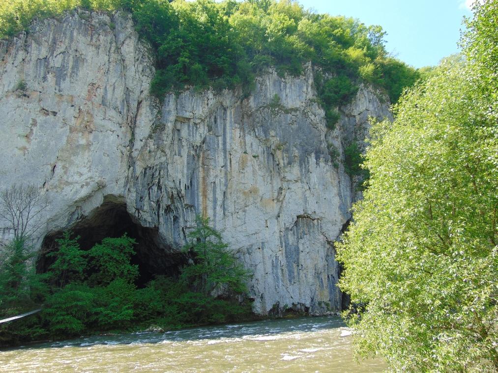 Pestera Unguru Mare, obiective turistice in Apuseni, Romania, concediu, infoturism