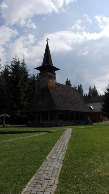 biserica-sf-nicolae-lapusna-2