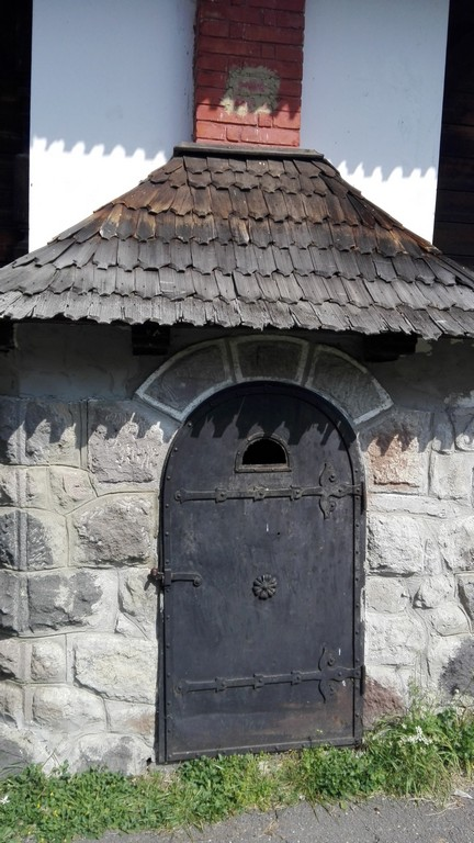Cabana Regala de la Lapusna, Valea Gurghiului, obiective turistice judetul Mures, Romania, Transilvania, concediu, infoturism
