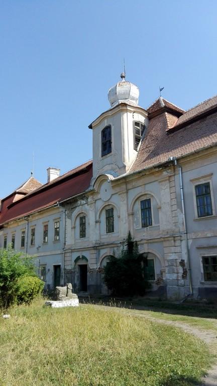 Castelul Bornemisza, Gurghiu, obiective turistice judetul Mures, Romania, Transilvania, concediu, infoturism