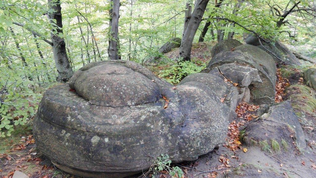 Babele de la Ulmet, Trovanti, Obiective turistice Buzau, Descopera Romania