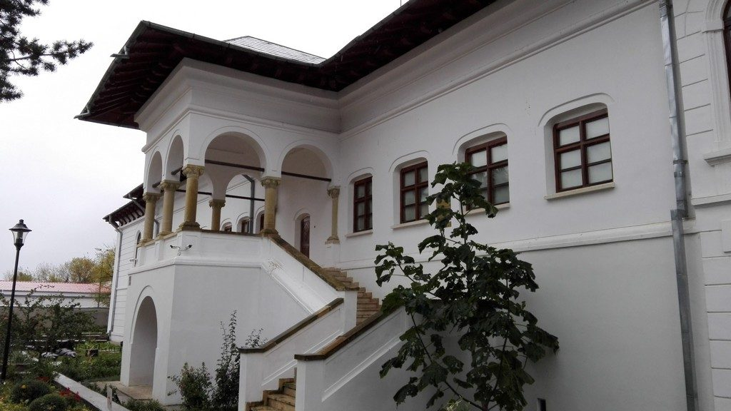 biserica-brancoveneasca-ramnicu-sarat-16