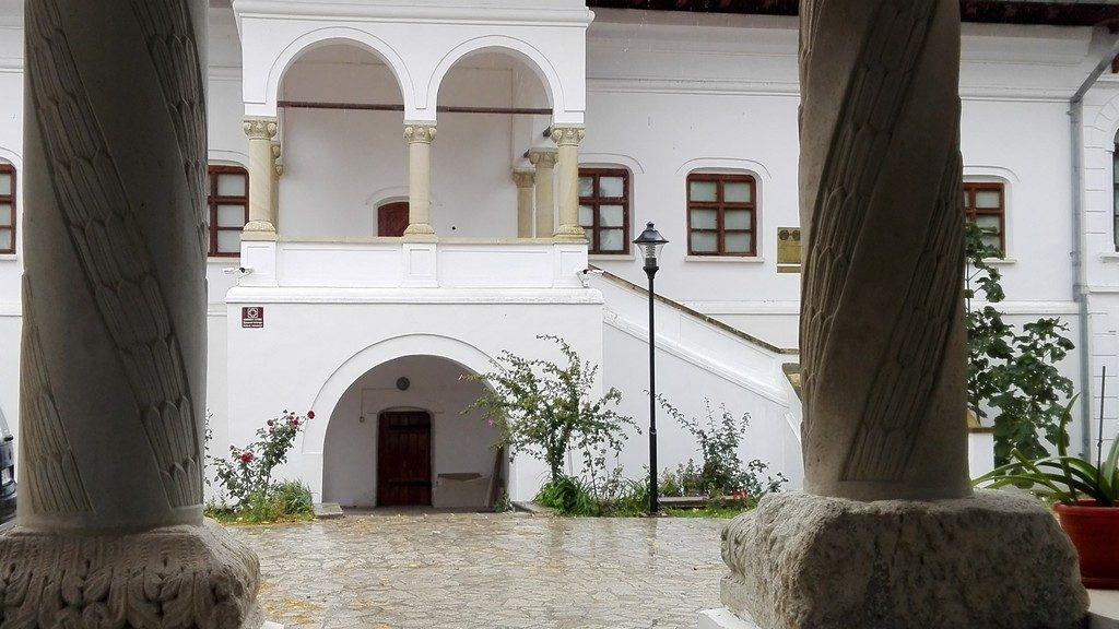 Conacul Brancovenesc din Ramnicu Sarat, Obiective turistice, Descopera Romania
