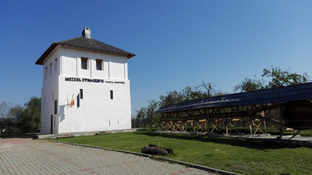Cula Racoviteanu, Manastirea Vierosi, Obiective turistice Arges, atractii turistice in jurul Pitestiului
