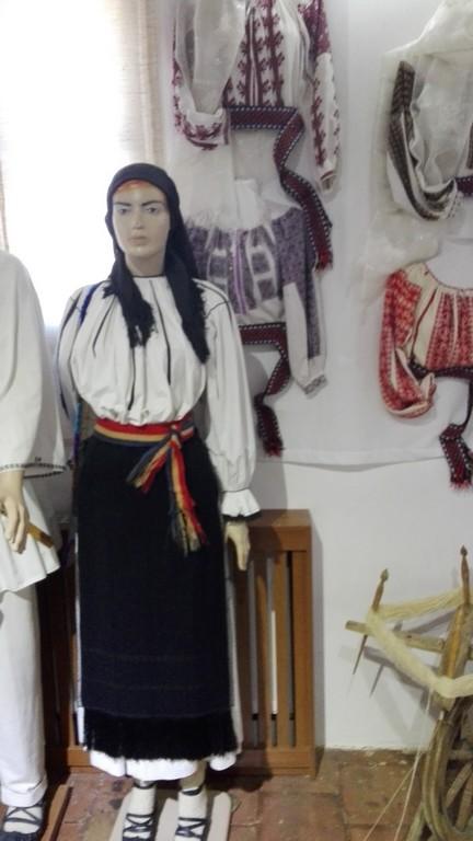 Muzeu de Etnografie, Cula Racoviteanu, Manastirea Vierosi, Obiective turistice Arges, atractii turistice in jurul Pitestiului