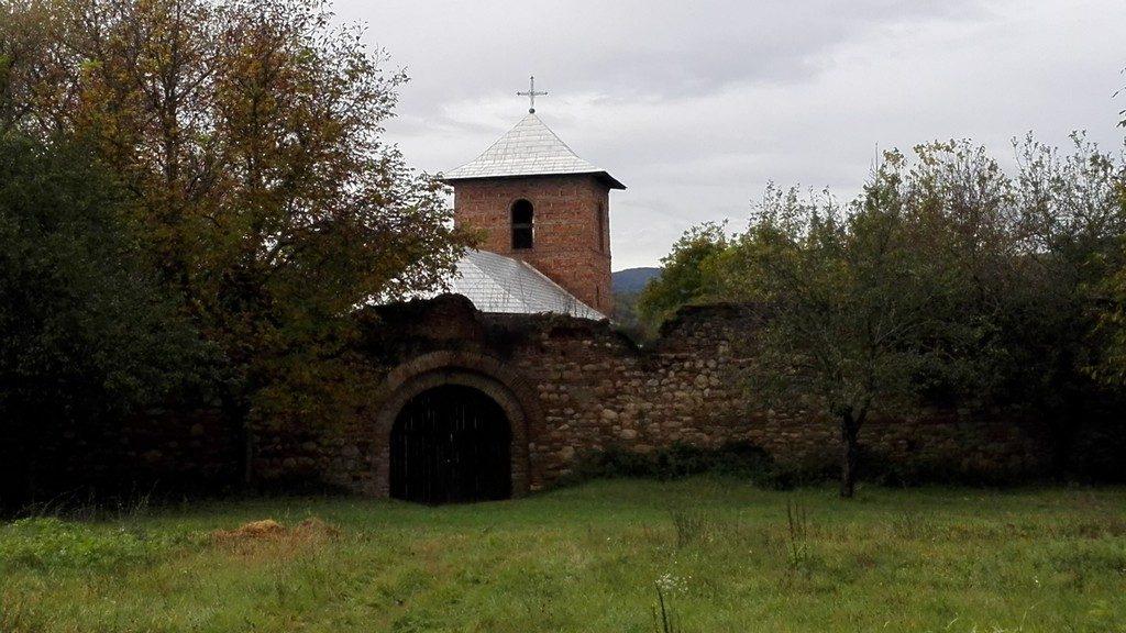 manastirea-cetate-bradu-6