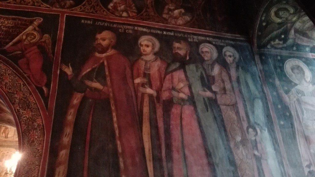 """Si aici, ca si la Manastirea Brancoveni din zona Craiovei, a slujit preotul Radu Sapca, participant de marca la revolutia de la 1848 din Tara Romaneasca, pe care """"l-am intalnit"""" langa Islaz si la cetatea Sucidava de langa Turnu Magurele."""