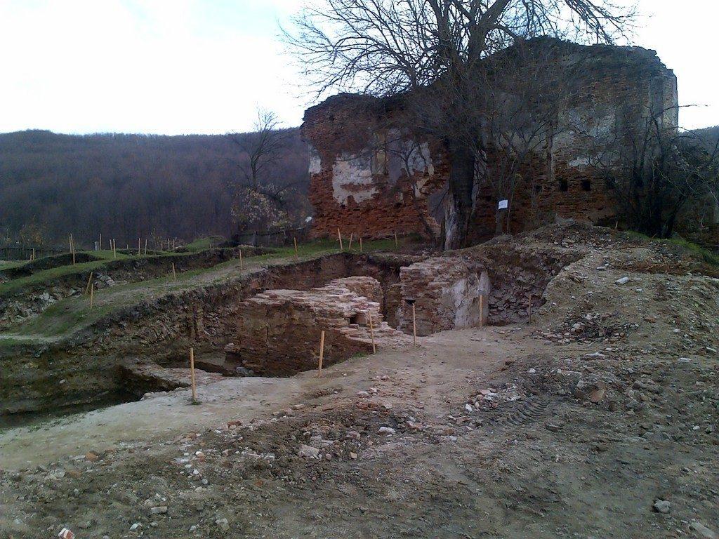 Manastirea Vierosi, obiective turistice Arges, Mioveni, atractii turistice pe langa Pitesti