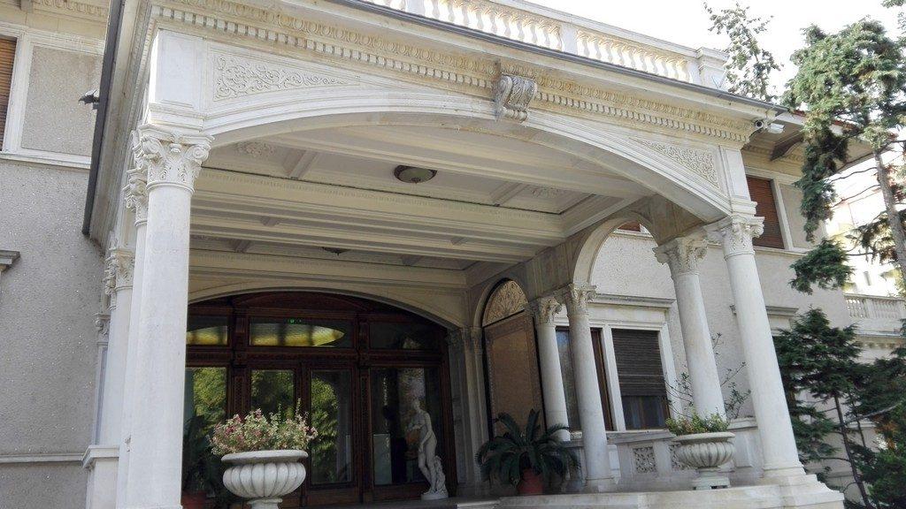 palatul-primaverii-a-familiei-ceausescu-192