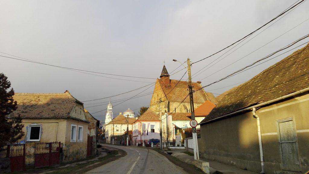 Biserica Dirlos, obiective turistice in judetul Sibiu