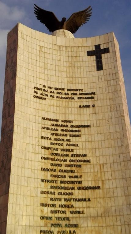 Monumentul Eroilor Darlos