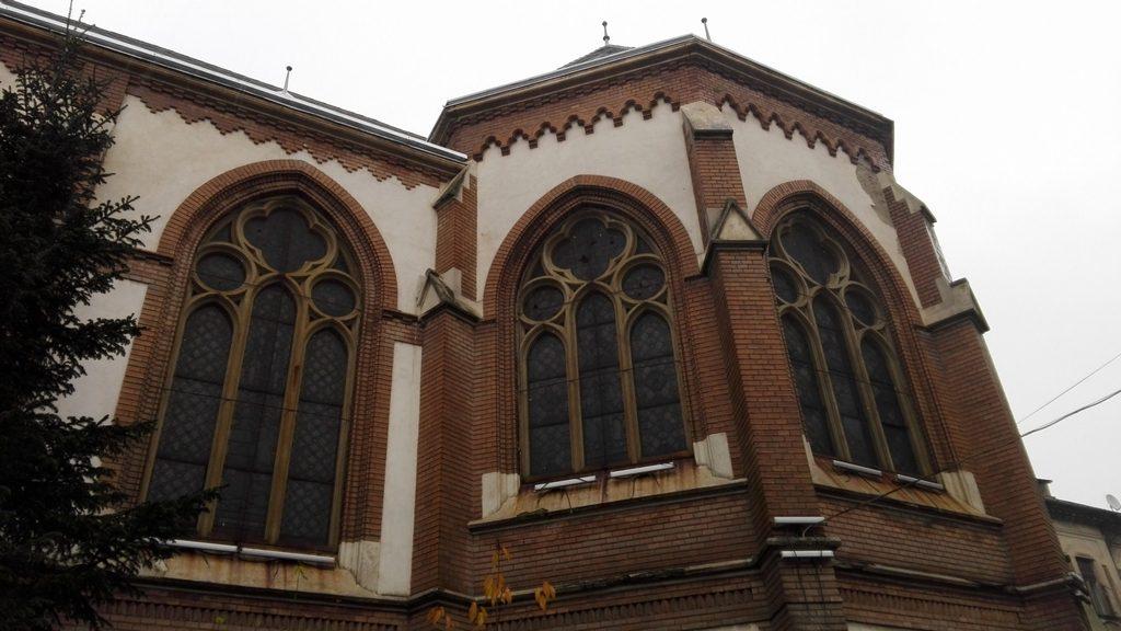 biserica-rosie-obiective-turistice-arad-23
