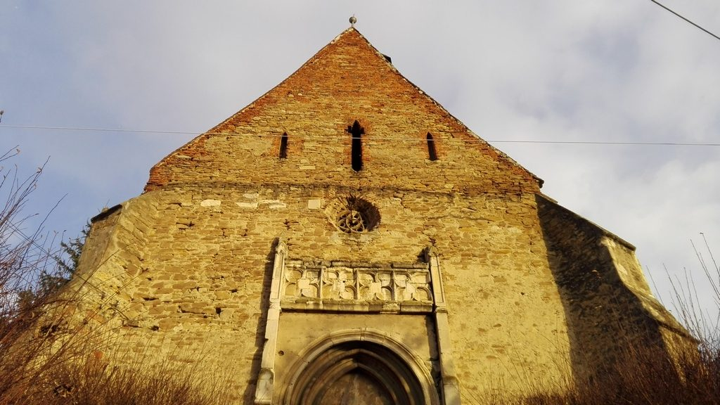 Biserica Darlos, obiective turistice in judetul Sibiu