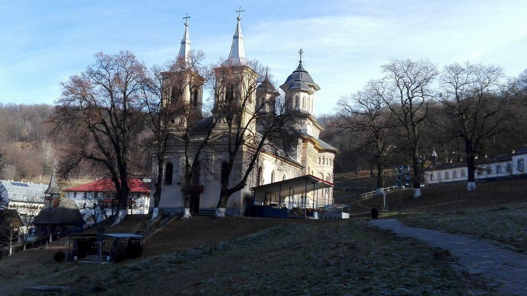 Biserica de lemn de la Manastirea Nicula