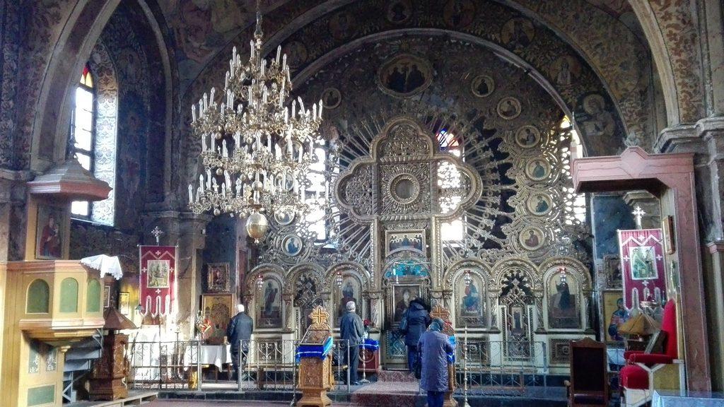 Catapeteasma si Icoana facatoare de minuni Biserica de lemn de la Manastirea Nicula