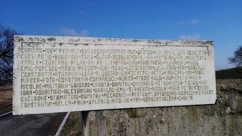 Monumentul eroilor de la Paulis, Arad