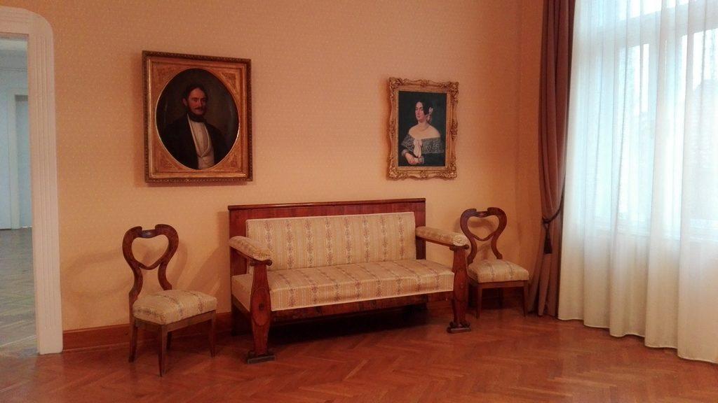 obiective turistice in Arad, Romania, Transilvania, Muzeul de Arta Arad