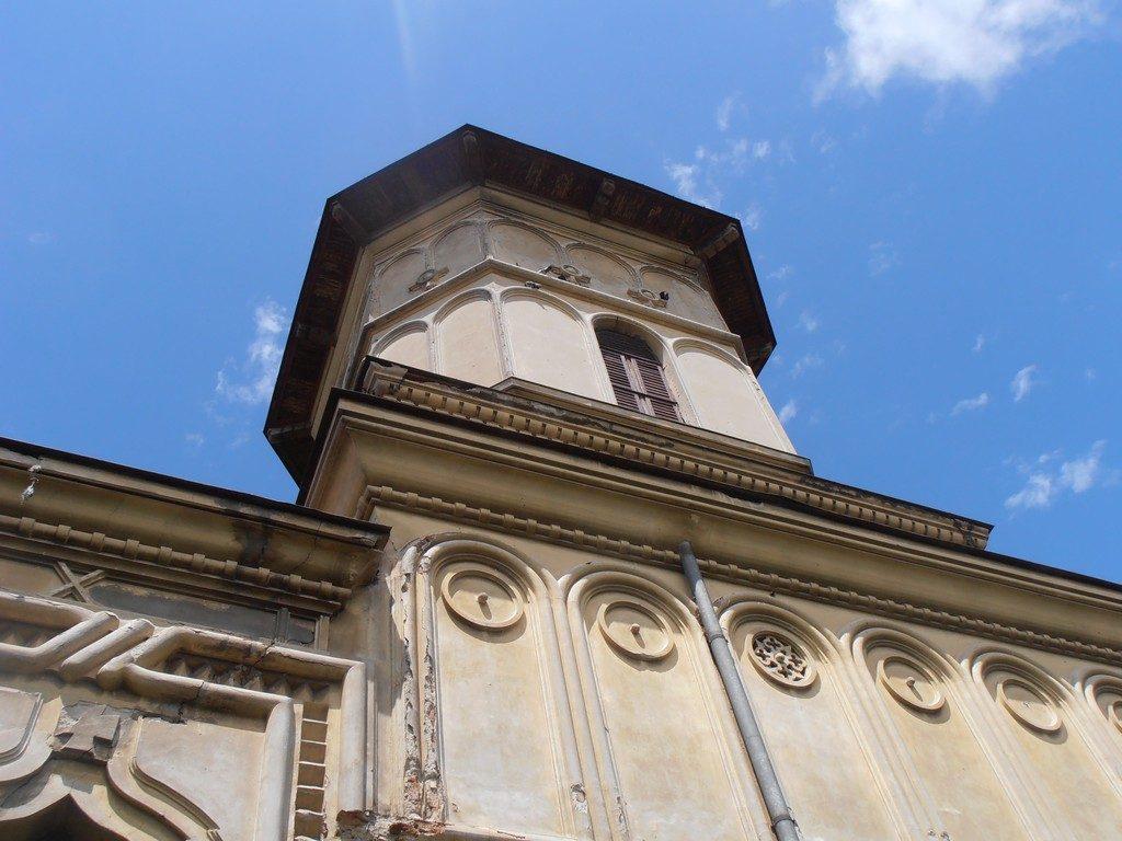 Biserica-din-Manastirea