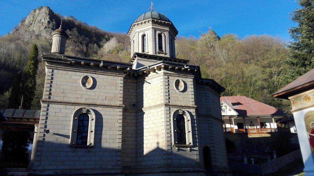 Manastirea Stanisoara, Valea Oltului, Cozia, obiective turistice Romania
