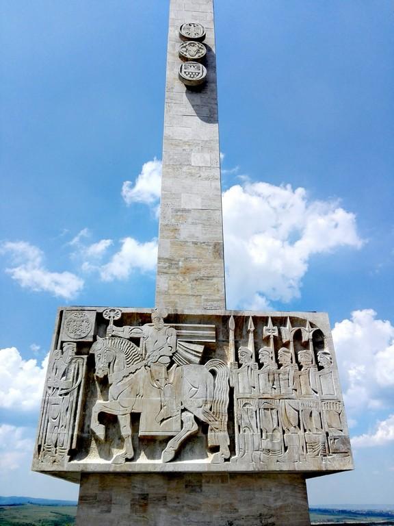 Mausoleul lui Mihai Viteazul de la Guruslau, obiective turistice Transilvania, Romania, concediu, infoturism