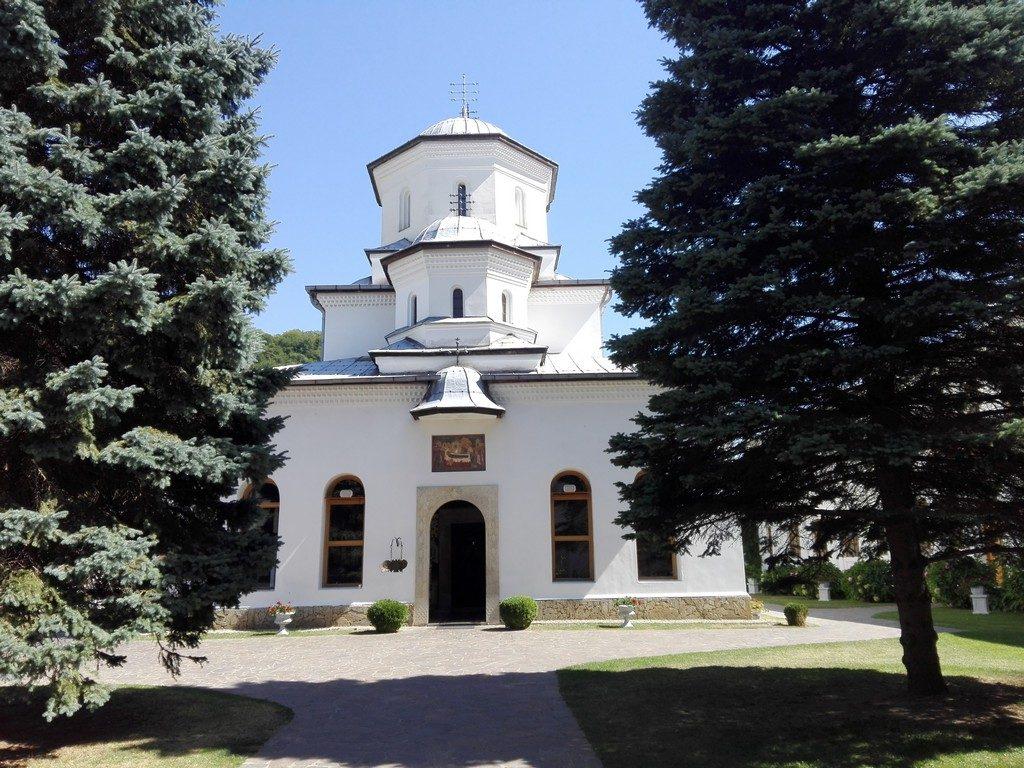 Manastirea Tismana, obiective turistice Gorj, Romania