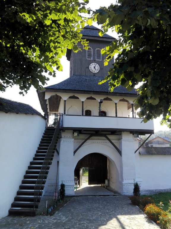 Biserica Varbila, manastire Prahova, obiective turistice Romania, muzeu Prahova,