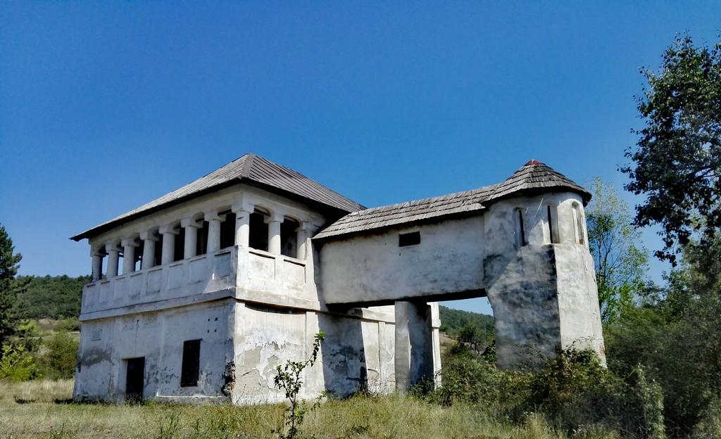 Cula Tudor Vladimirescu, Cerneti, obiective turistice Mehedinti, Romania