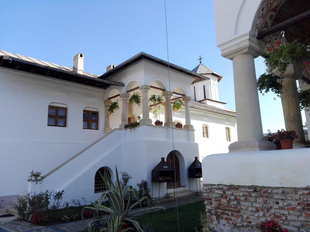 Manastirea Aninoasa, pictura Parvu Mutu, obiective turistice pe langa Campulung, Romania