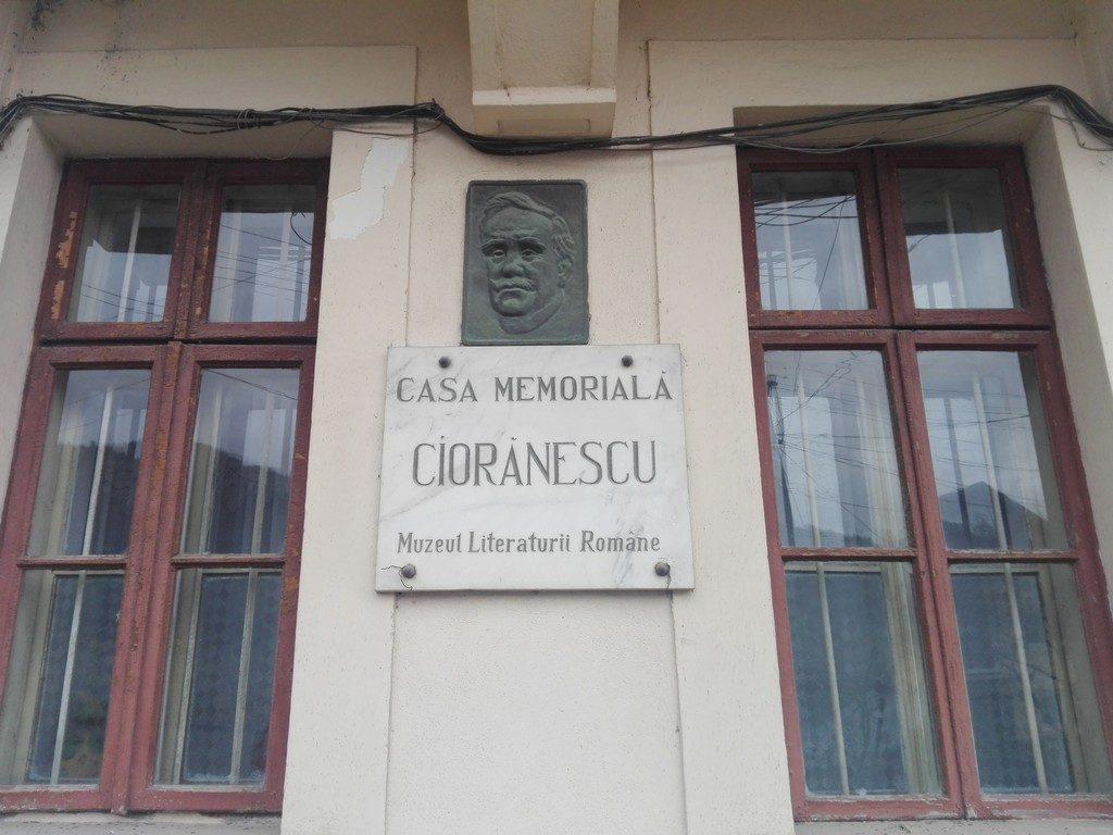 Casa memoriala Alexandru Cioranescu, Moroieni, obiective turistice Dambovita, Romania, Valea Ialomitei
