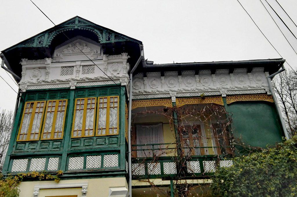 casa arhitectura traditionala, Moroieni, Pietrosita