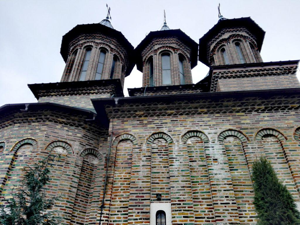 Manastirea Cobia, obiective turistice in Dambovita, Romania