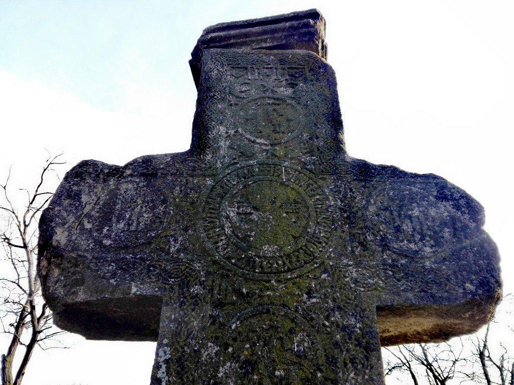 Crucea de la Cornatel, Dambovita, Romania (6)