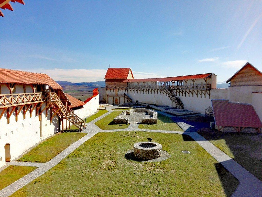 Cetatea Feldioara renovata, Marienburg, obiective turistice Brasov, Romania, program de vizitare