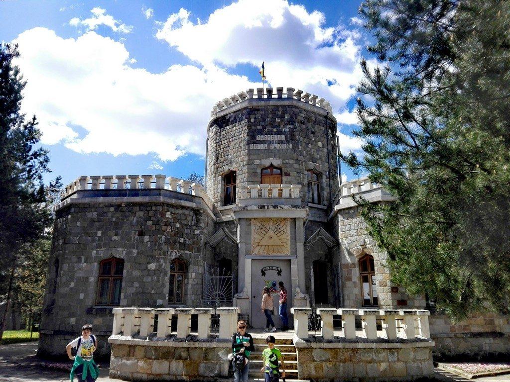 obiective turistice Campina, Romania, Castelul Hasdeu (1)