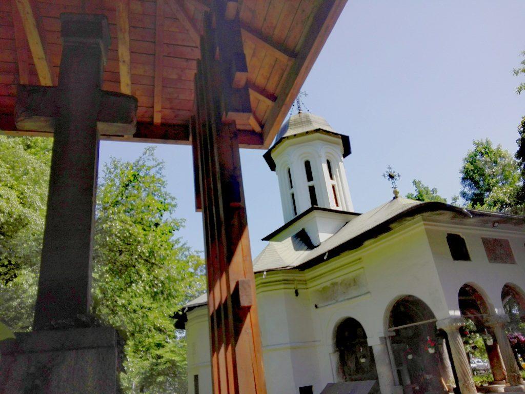 Crucea lui Leon Voda, Biserica Slobozia, obiective turistice si istorice Bucuresti, ctitor Voda Leon si Herasca Nasturel, Romania