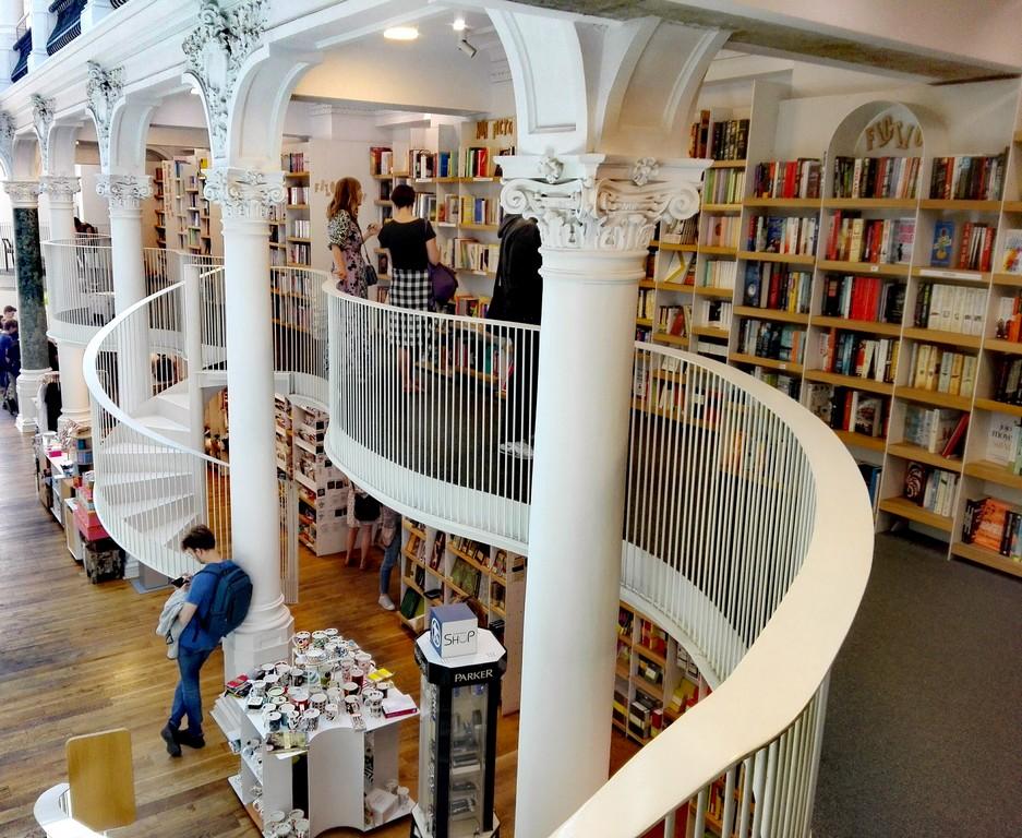 Libraria Carturesti Carusel, obiective turistice Bucuresti, Romania, Centrul Vechi (5)