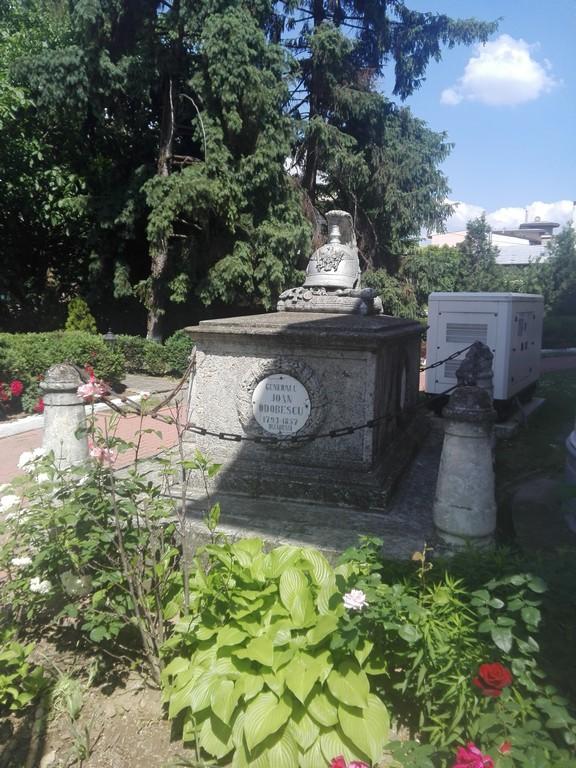 Parcul si Biserica Gradina Icoanei, obiective turistice Bucuresti, Romania