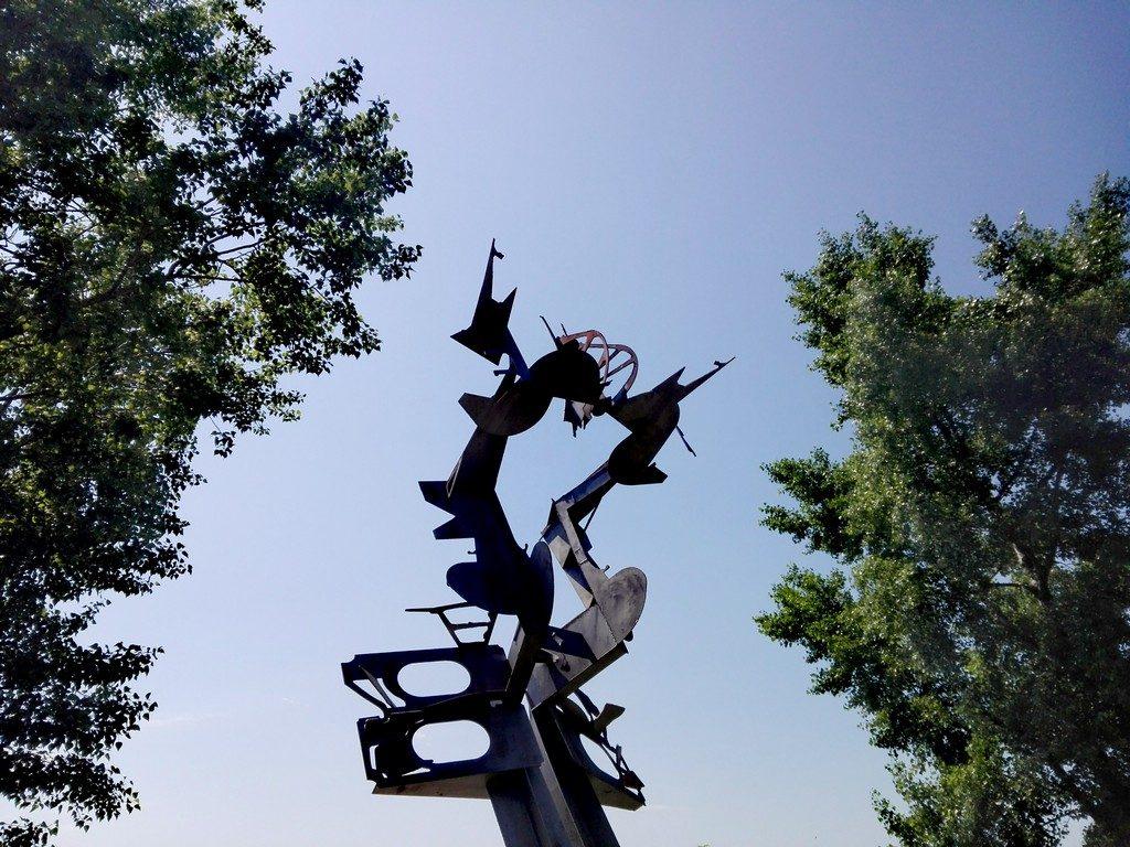 faleza Galati, tabara de sculptura in metal, dunarea, obiective turistice Galati, Romania, arhitectura, cladiri istorice Moldova