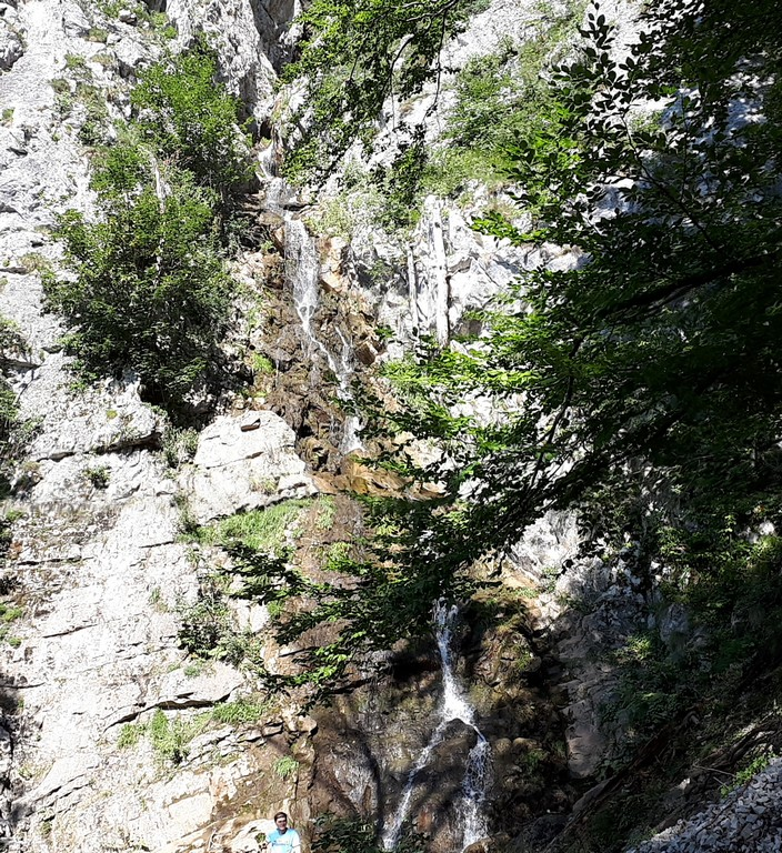 Cascada Cociu, Roset, infoturism, obiective turistice Romania, Mehedinti, Caras Severin