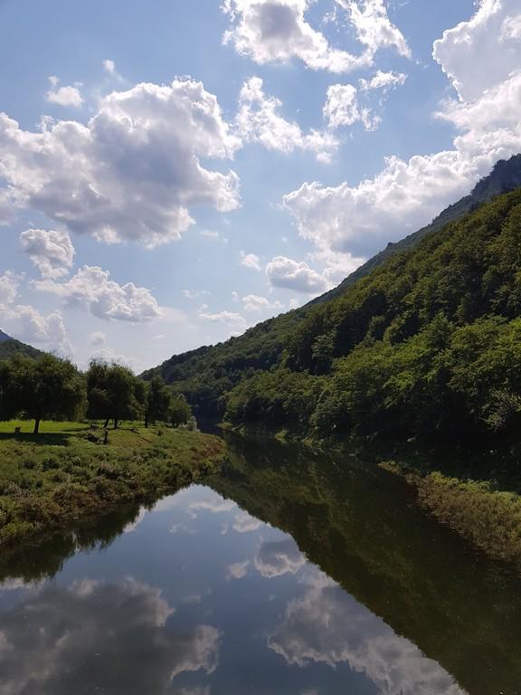 Cascada Vanturatoarea, Valea Cernei, Baile Herculane, traseu munte, infoturism, obiective turistice Romania, Mehedinti, Caras Severin