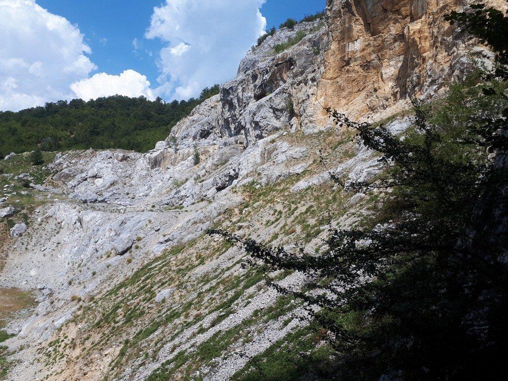 Cheile Peciniscai, Baile Herculane, traseu munte infoturism, obiective turistice Romania, Mehedinti, Caras Severin