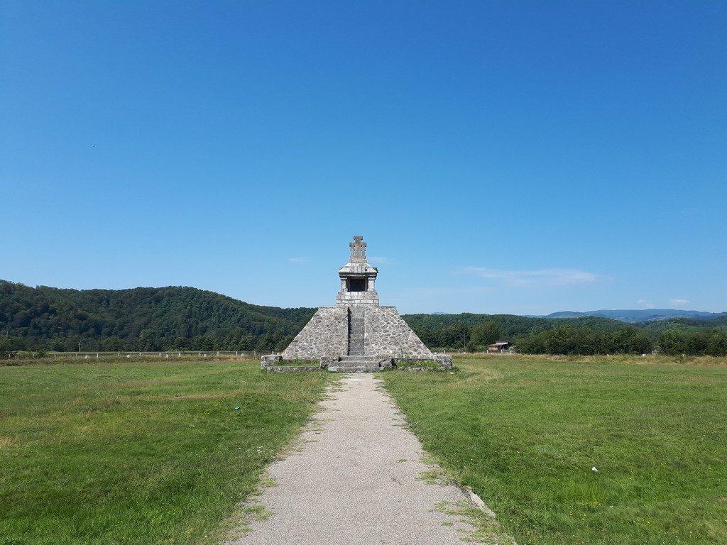 Monumentul de la Pades, Tudor Vladimirescu, Declaratia de la Pades, obiective turistice Romania, Gorj