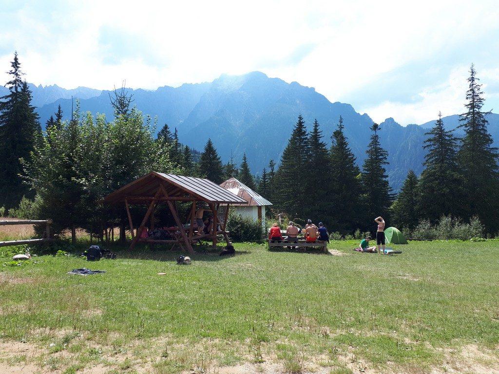 traseu in Bucegi cu copiii de la Cabana Gura Diham la Diham si Poiana Izvoarelor, Varful Bucsoiu Mare, campare, obiective turistice Romania, Prahova