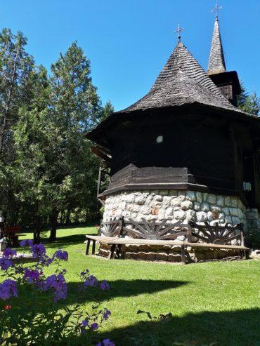 Schitul Dragoslavele, obiective turistice Romania, Arges, Rucar Bran (3)