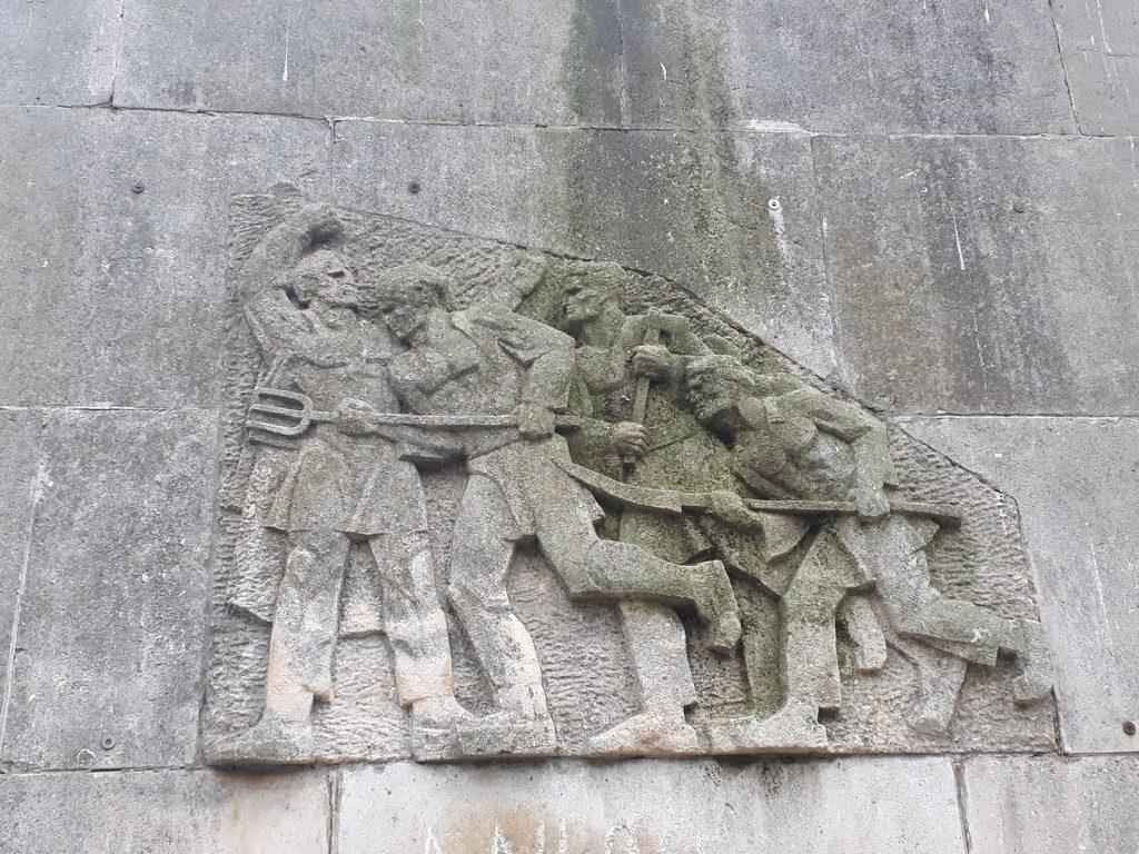 Statuia lui IC Bratianu, Gradina Publica Pitesti, obiective turistice si arhitecturale Arges, Romania