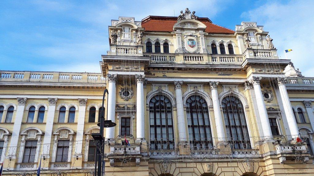 Primaria si turnul, obiective turistice Oradea, Transilvania, Romania