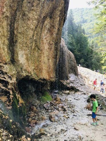 Cascada Urlatoarea Vama Buzaului, obiective turistice Covasna, Brasov, Romania
