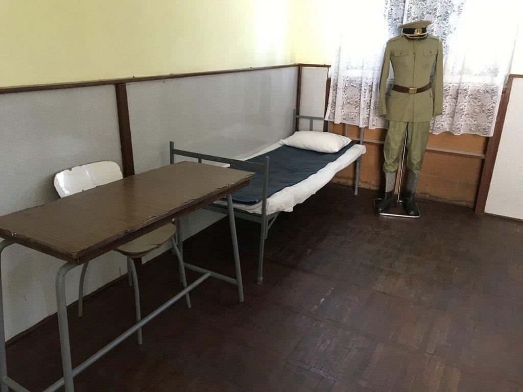 locul executiei sotilor Ceusescu, unitate militara Targoviste, locul procesului, obiective istorice Romania, Dambovita
